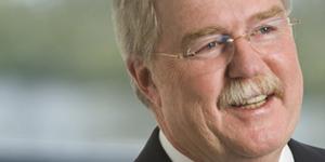 Dr. Tom Grogan