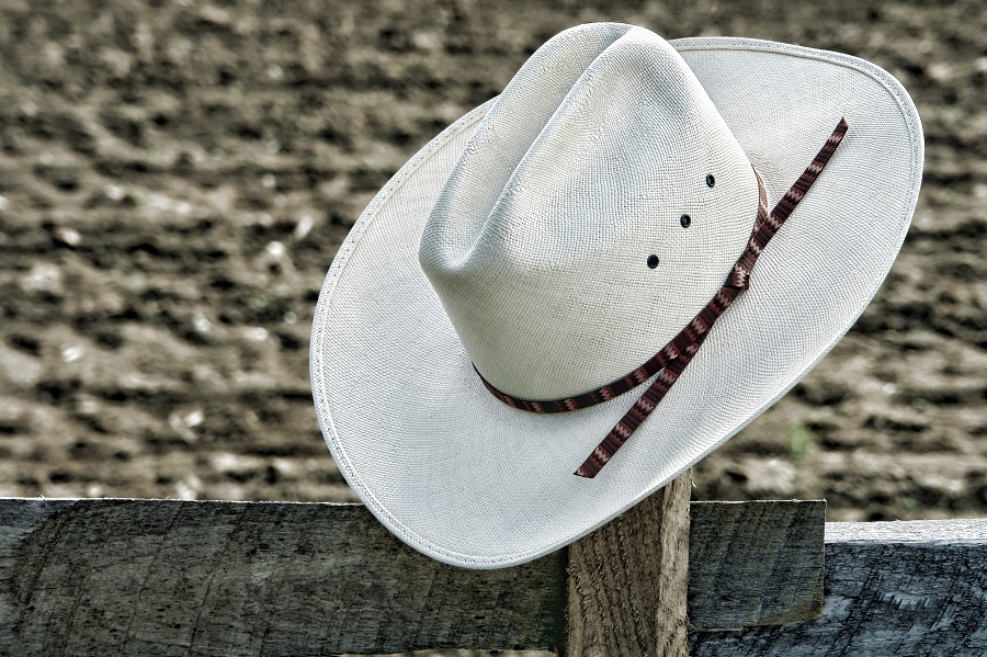 white hat 900