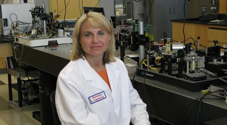 Jennifer Barton in lab